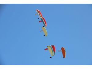 Antalya semalarında Türk ve Azerbaycan bayrakları dalgalandı