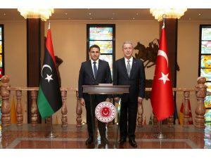 Milli Savunma Bakanı Akar, Libya Savunma Bakanı Namroush İle Bir Araya Geldi