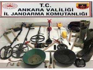 Başkent'te Define Arayan 9 Kişi Suçüstü Yakalandı