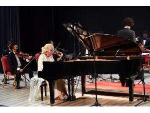 Konyaaltı'nda AKUT'a destek konseri
