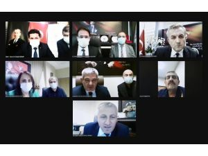 Bakan Koca, 7 İlin Sağlık Müdürü İle Video Konferansta Bir Araya Geldi