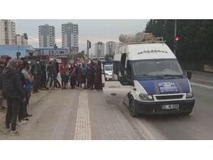 14 Kişilik Minibüsten 41 Tarım İşçisi Çıktı