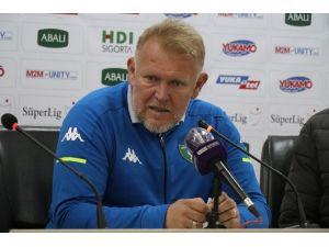 """Prosinecki: """"Rakipten Daha İyi Oynayarak Maçı Kaybediyoruz"""""""