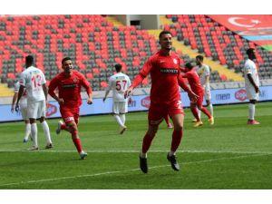 Süper Lig: Gaziantep Fk: 1 - Yeni Malatyaspor: 0 (İlk Yarı)