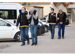 1 Lira 75 Kuruşluk Kapkaça 2 Tutuklama