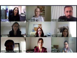 AÜ Hemşirelik Fakültesi'nden Akademik Gelişim Konferansı