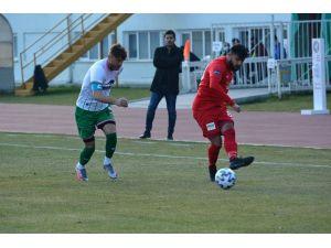 3. Lig: Isparta 32 Spor: 1 - Yalovaspor: 2