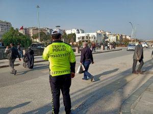 Hatay'da Yayalara Yol Vermeyen 122 Sürücüye 65 Bin 952 Tl Ceza