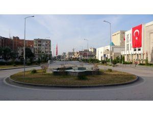 Osmaniye'de Cadde Ve Meydanlar Boşaldı, Kent Sessizliğe Büründü