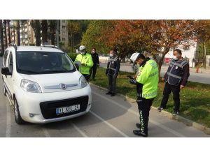 Kırıkhan'da Cadde Ve Sokaklar Sessizliğe Büründü