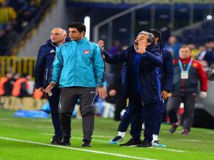 Süper Lig: Fenerbahçe: 1 - Göztepe: 0 (İlk Yarı)