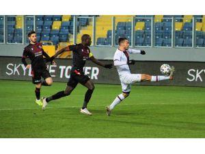 Süper Lig: Gençlerbirliği: 0 - Fatih Karagümrük: 2 (İlk Yarı)