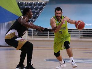 4 Oyuncusu Covid Olan Merkezefendi Basket Evinde Yıkıldı