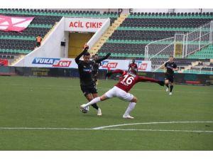 Süper Lig: Y. Denizlispor: 0 - A. Hatayspor: 0 (İlk Yarı)
