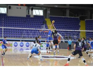 Efeler Ligi: Afyon Belediye Yüntaş: 3 - İstanbul Büyükşehir Belediyespor: 1