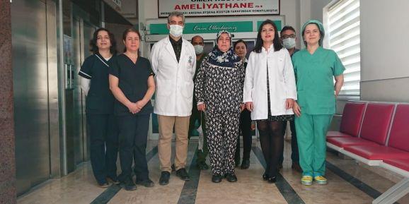 Taş şikayetiyle hastaneye geldi, 30 santimlik safra kesesi çıkartıldı