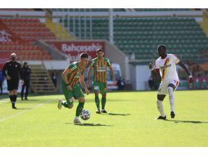 Süper Lig: Aytemiz Alanyaspor: 0 - Göztepe: 1 (İlk Yarı)
