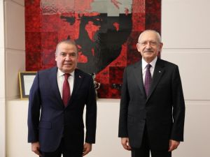 Başkan Böcek CHP Genel Başkanı Kılıçdaroğlu'na projelerini anlattı