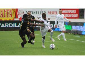 Süper Lig: A. Hatayspor: 0 - Göztepe: 2 (İlk Yarı)
