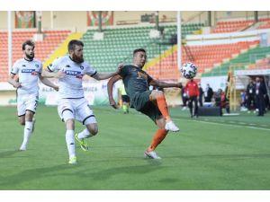 Süper Lig: Aytemiz Alanyaspor: 0 - Denizlispor: 1 (İlk Yarı)