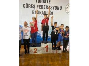 Korkutelili Güreşçiler Takım Halinde Türkiye 2'incisi Oldu