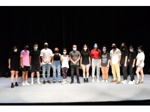 Konyaaltı'nda tiyatro oyunculuğu eğitimleri