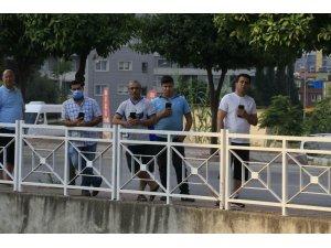 Sulama Kanalında Boğulan Gencin Cesedinin Çıkarılmasını Cep Telefonlarıyla Görüntülediler