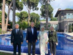 Cumhurbaşkanı Erdoğan, Rektör Özkan ve eşi Ömer Özkan'la bir araya geldi