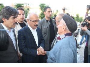 Kalkınma Bakanı Elvan'ın Yüksekova ziyareti