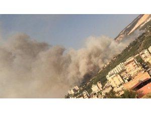 İ̇skenderun'da Çöplük Alanda Yangın