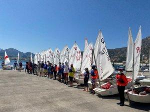 Antalyalı Yelkenciler Eğirdir'de Kampa Girdi