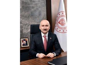 """Bakan Karaismailoğlu: """"Bayramda Yaklaşık 12 Milyon Biletli Yolcu Seyahat Etti"""""""