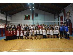 Kızılcahamam'da 'Sıfır atık bayan voleybol turnuvası' gerçekleştirildi