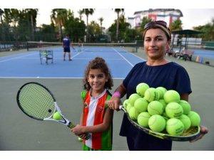Kepez'de tenis kursuna ilgi