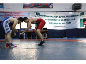 Kızılcahamam'da 310 sporcu güreşti
