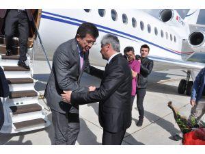 Ekonomi Bakanı Zeybekci Kars'ta