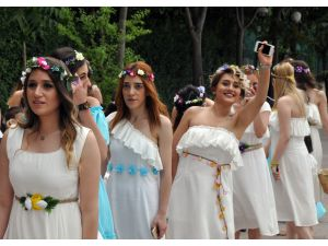 Ihlamur Festivali'nde Dostluk Ve Barış Ihlamuru Kaynatıldı