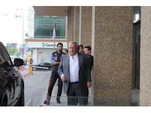 Cumhurbaşkanı Erdoğan, İstanbul Emniyet Müdürü Çalışkan'ı hastanede ziyaret etti