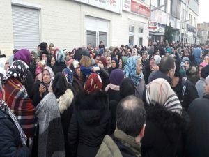 Almanya'da Ölen Türk Aile Dualarla Trabzon'a Uğurlandı
