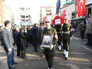 Diyarbakır'daki Birliğinde Kalp Krizi Geçiren Uzman Çavuş Memleketi Trabzon'da Son Yolculuğuna Uğurlandı