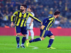Ziraat Türkiye Kupası: Fenerbahçe: 2 - Akın Çorap Giresunspor: 1 (İlk Yarı)