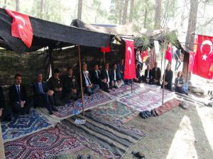 Sarıkeçili Yörüklerinden Mehmetçiğe Dua