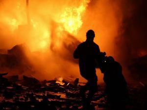 Rusya Maarat El Numan'ı Havadan Ve Denizden Bombaladı: 8 Ölü