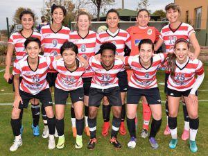 Döşemealtı Kadın Futbol Takımı Sahaya Çıkıyor