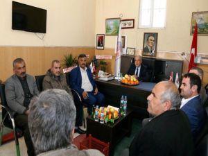 Başkan Kutlu Yaş Sebze Ve Meyve Satıcılarıyla Bir Araya Geldi