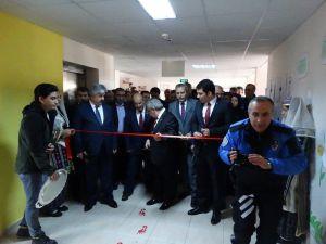 Şehit Polis Demet Sezen Kütüphanesi Törenle Açıldı
