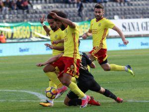 E.yeni Malatyaspor'da Issıam Chebake'ye Ceza Verildi