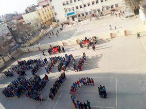 Minik Öğrenciler 'Zeytin Dalı' Yazdı