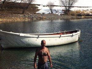 Kış Ortasında Yüzme Keyfi