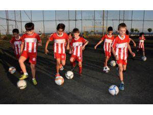 Demre'de Antalyaspor Futbol Okulu